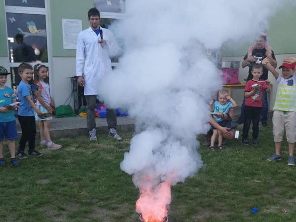 Zajęcia dodatkowe mały Edison w Przedszkolu KAJTEK